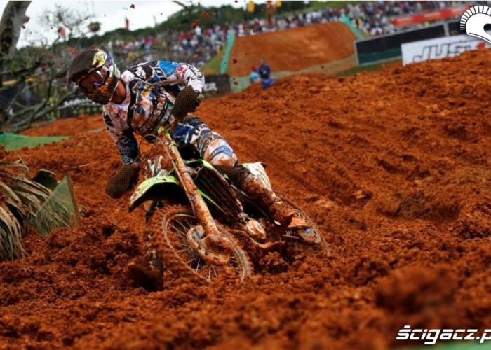 Mistrzostwa Swiata MX w Brazyli 2012 walka z blotem
