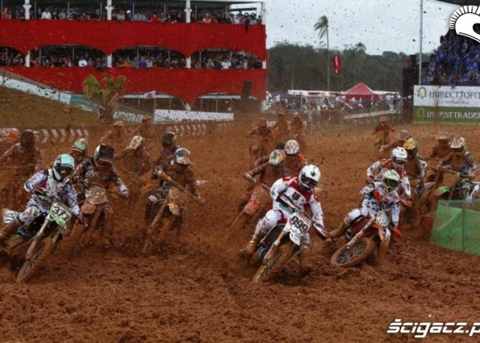 Mistrzostwa Swiata Motocross Brazylia 2012 start wyscigu