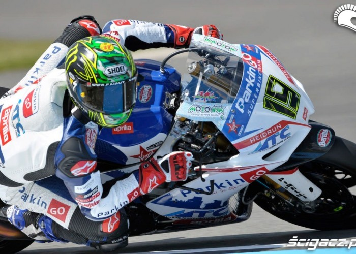 Donington Park Superbike big chaz davies