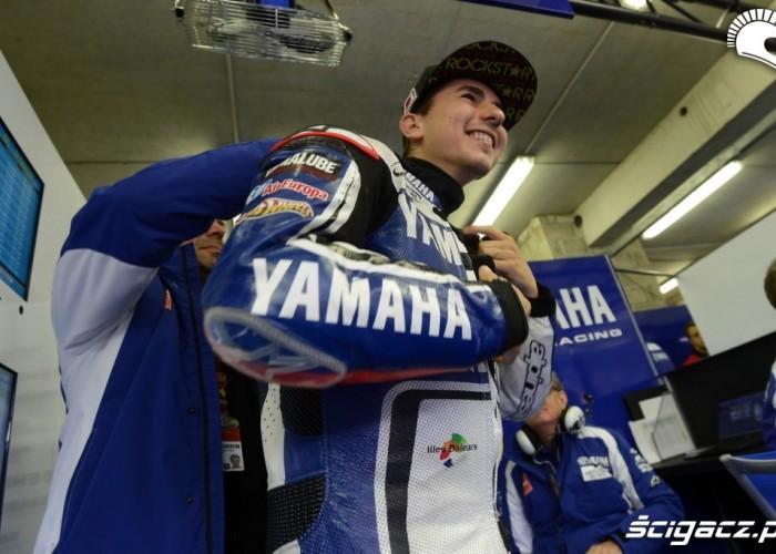 lorenzo box MotoGP Le Mans 2012