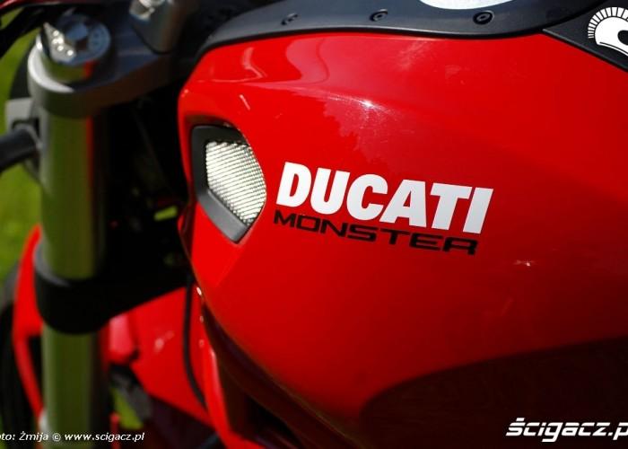 Ducati Monster bak