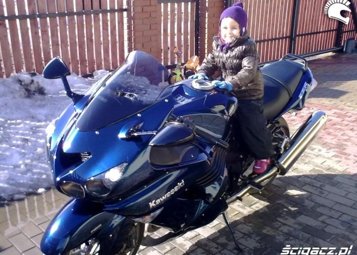 03 Ania lubi moto od malego