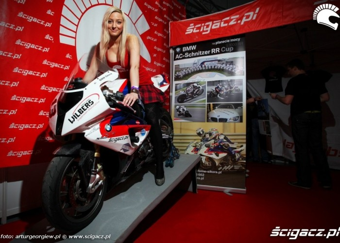Selena hostessa scigacz pl S1000rr III Ogolnopolska wystawa Motocykli i Skuterow