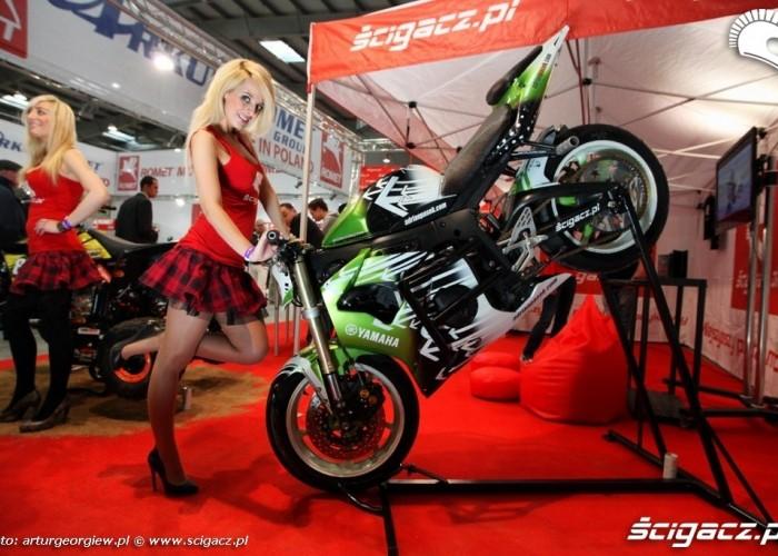 dziewczyna przy r6 pasia III Ogolnopolska wystawa Motocykli i Skuterow