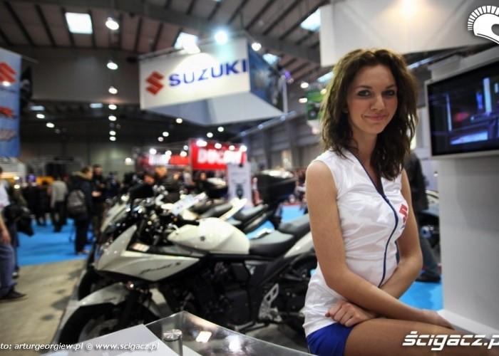 hostessa suzukikondratowicz laska na motorze III Ogolnopolska wystawa Motocykli i Skuterow