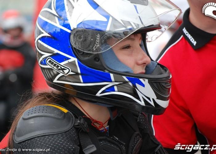 Dziewczyna motocyklistka