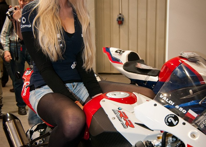 bmw hostessa targi wystawa motocykli