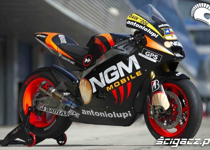colin edwards moto
