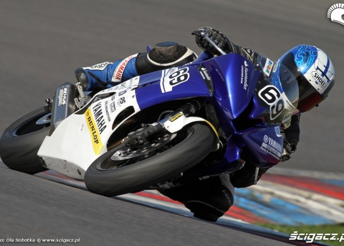 Yamaha R6 cup IDM patryk kosiniak 2011