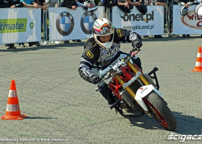 drift stunter Poznan 2011 - Motocyklowa Niedziela Na BP