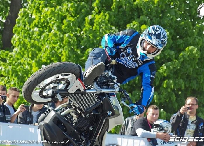raptowny stunter Poznan 2011 - Motocyklowa Niedziela Na BP