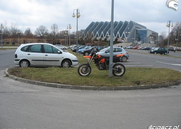 supermoto parking