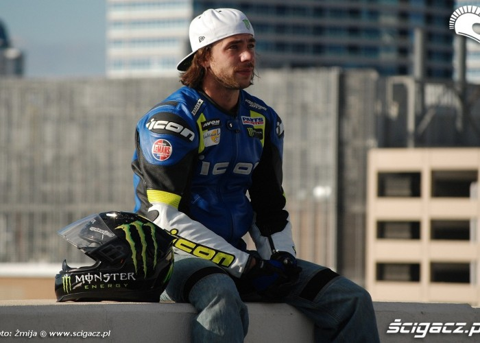 Apex Nick stunt XDL rider