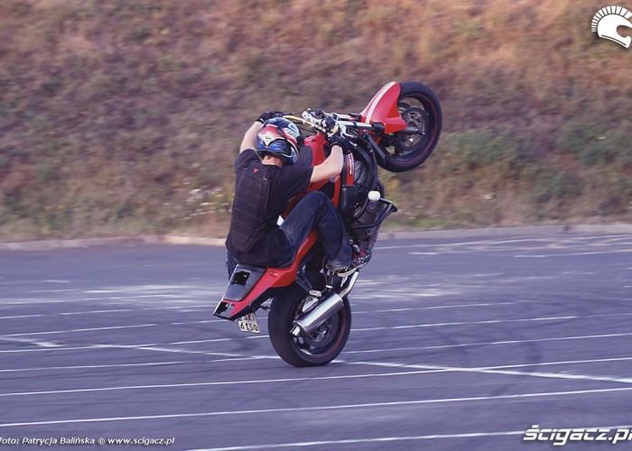 wheelie straight line