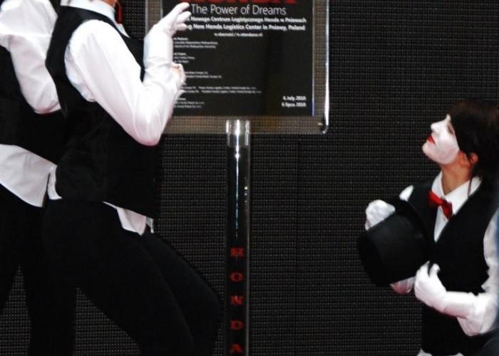 odsloniecie tablicy pamiatkowej Honda Centrum Logistyczne Pniewy