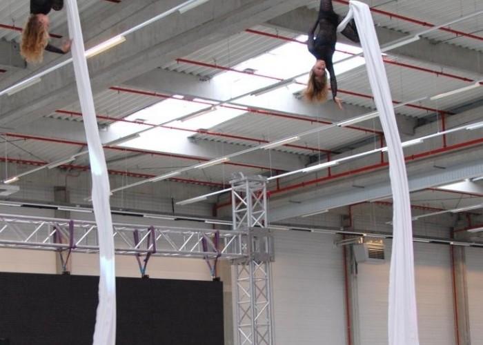 pokazy nad scena akrobatyka Honda Centrum Logistyczne Pniewy