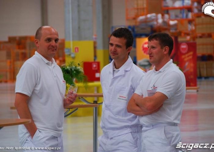 pracownicy Honda Centrum Logistyczne Pniewy