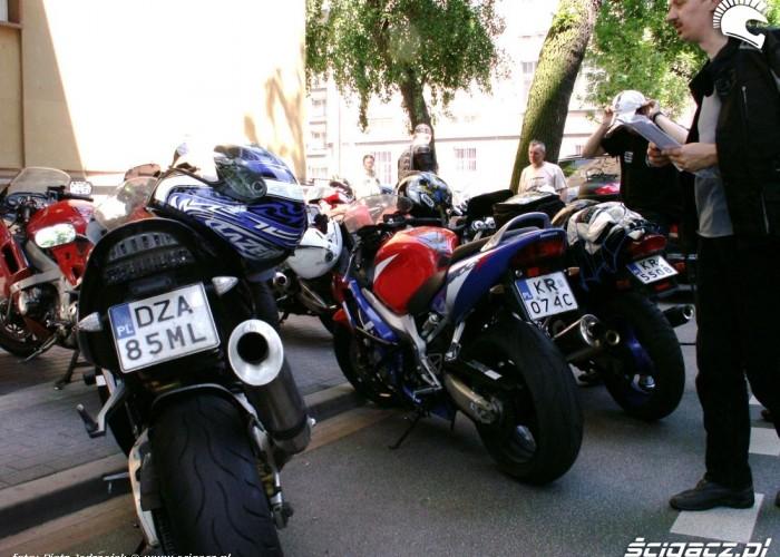 motocykle parking protest przeciwko oplatom na autostradach