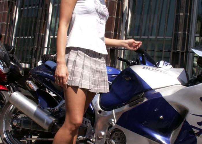 motocyklistka protest przeciwko oplatom na autostradach