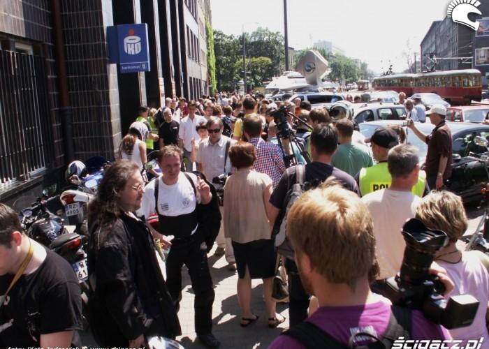 tlum pod MI protest przeciwko oplatom na autostradach