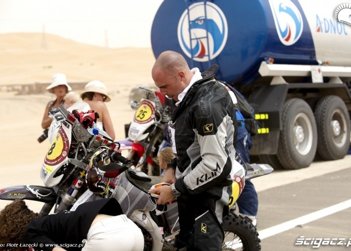 Abu Dhabi Cross Country FIM 2011 Rally (10)
