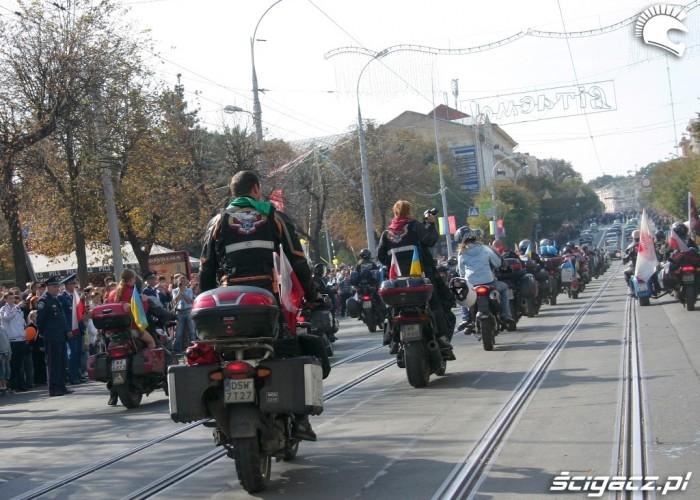 Rajd Katynski 2010 motocykle w Winnicy