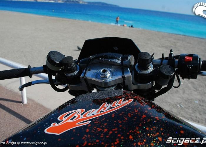 Motocykl na plazy
