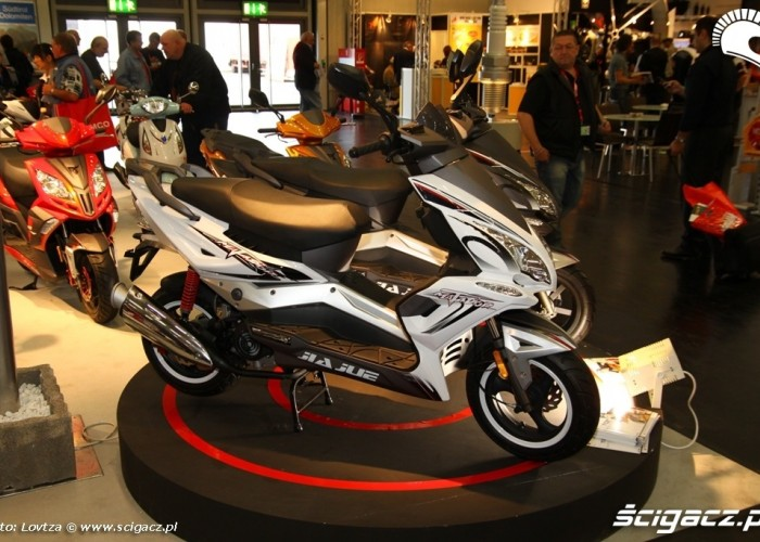 Chineese Scooter Intermot 2011
