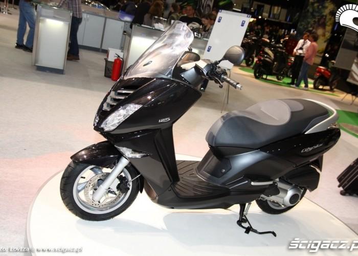 Duzy Peugeot Skutery Intermot 2011