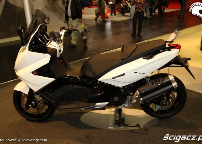 GP800 Skutery Intermot 2011
