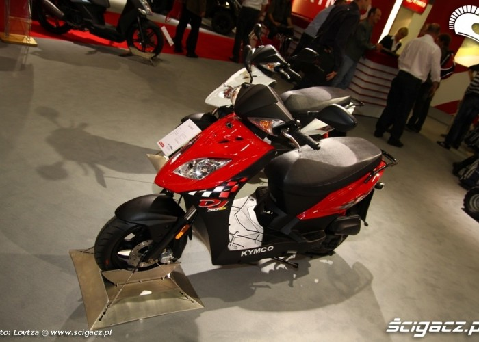 KymcoDJ Scooter Intermot 2011