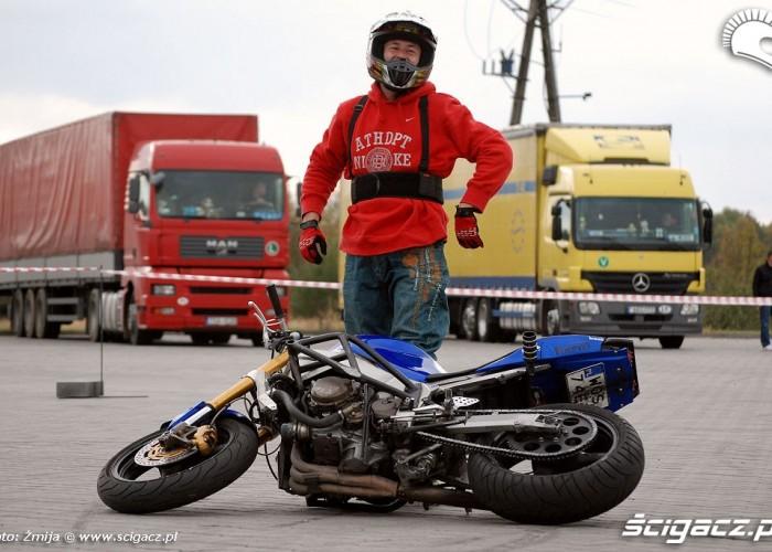 Kawalek psuje motocykl