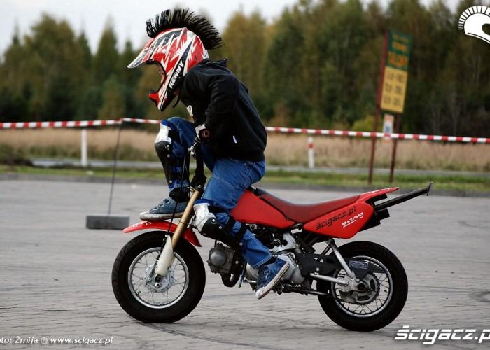 Maly motocyklista Eryk