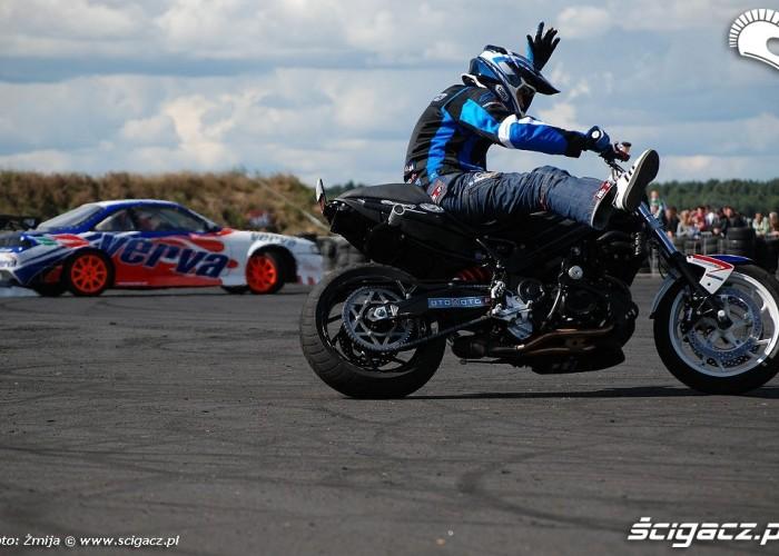 Drif samochodem i motocyklem