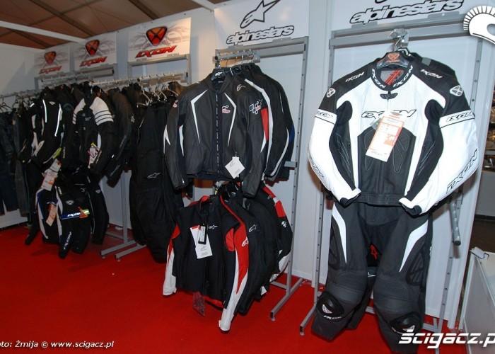 Kombinezony i kurtki motocyklowe