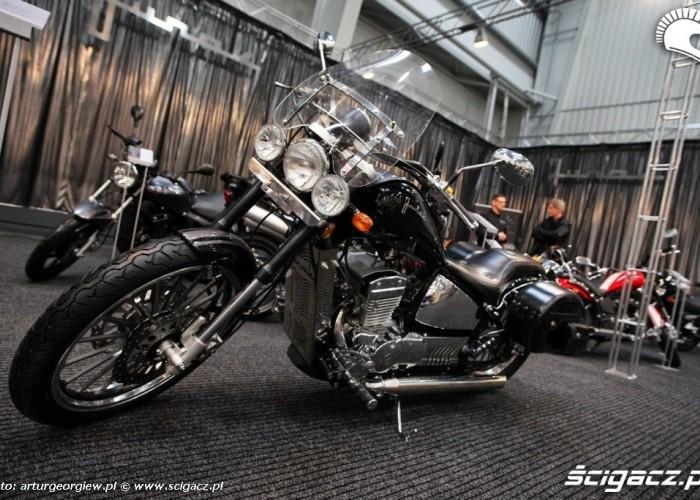 junak chopper Targi Motocyklowe w Warszawie - III Ogolnopolska Wystawa Motocykli i Skuterow 2011