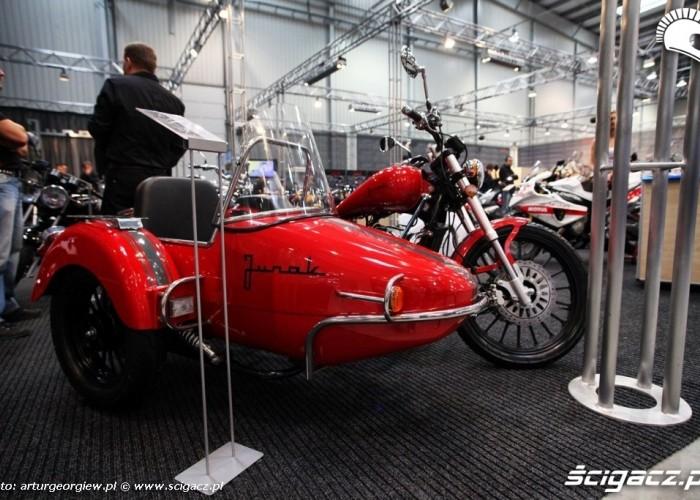 junak m16 z koszem Targi Motocyklowe w Warszawie - III Ogolnopolska Wystawa Motocykli i Skuterow 2011