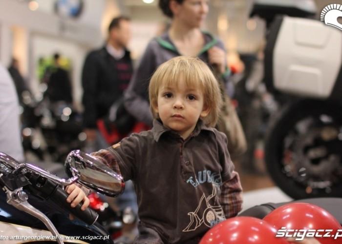 mlody motocyklista Targi Motocyklowe w Warszawie - III Ogolnopolska Wystawa Motocykli i Skuterow 2011