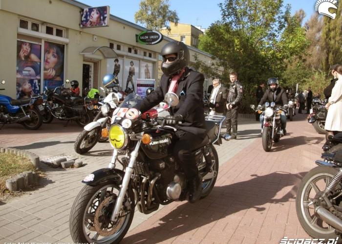 kierowca na motocyklu DGR 2014