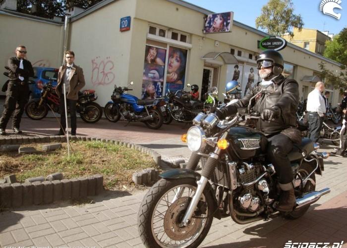 motocyklista na maszynie DGR 2014