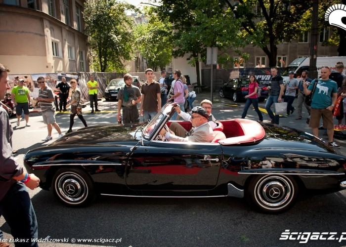 Zabytkowy Mercedes Street Racing