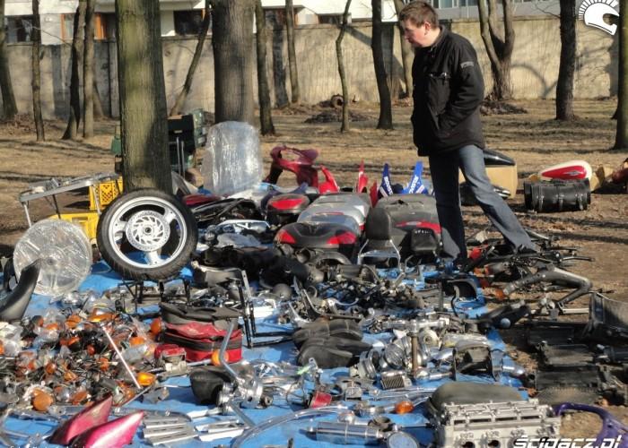 czesci rozne warszawski bazar motocyklowy - 13 marca poczatek sezonu