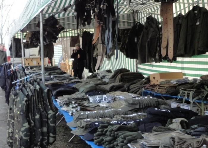 militarne warszawski bazar motocyklowy - 13 marca poczatek sezonu