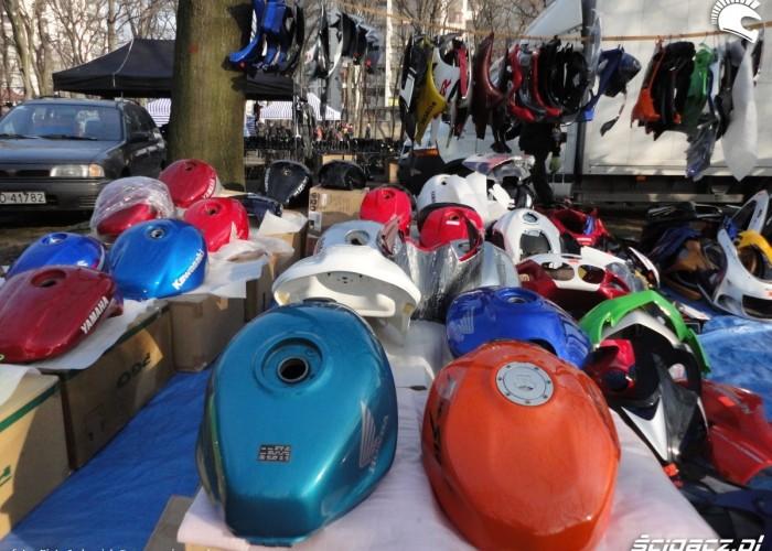 zbiorniki owiewki warszawski bazar motocyklowy - 13 marca poczatek sezonu