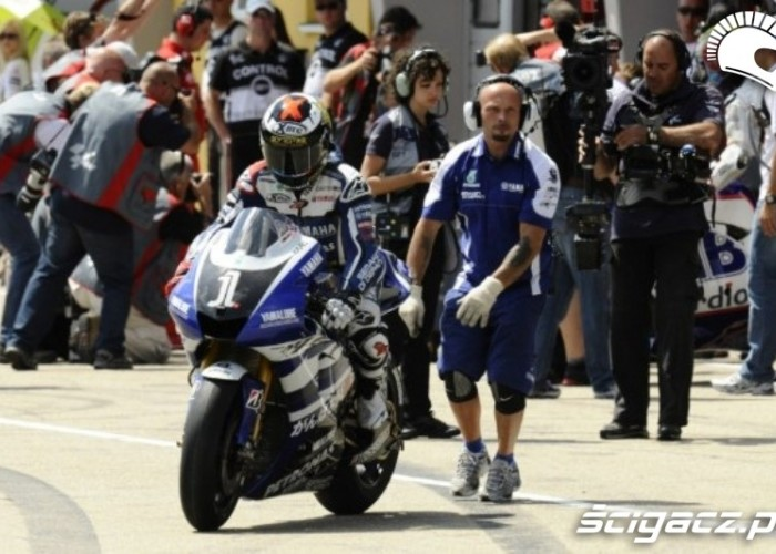 Yamaha Sachsenring Lorenzo box