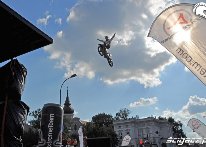 Freestyle motocross na ulicach Winobranie Zielona Gora