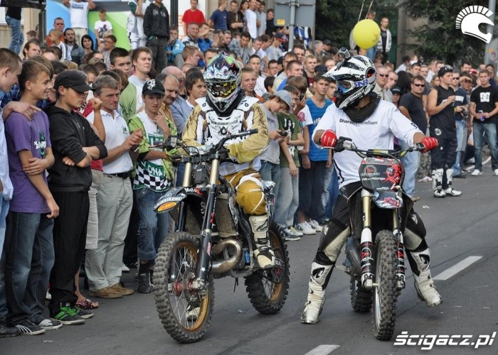 Freestyle motocross na ulicach Winobranie Zielona Gora 3