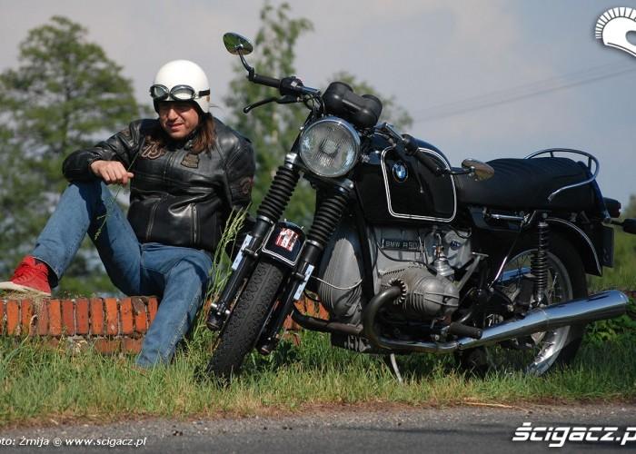 Motocyklista i motocykl