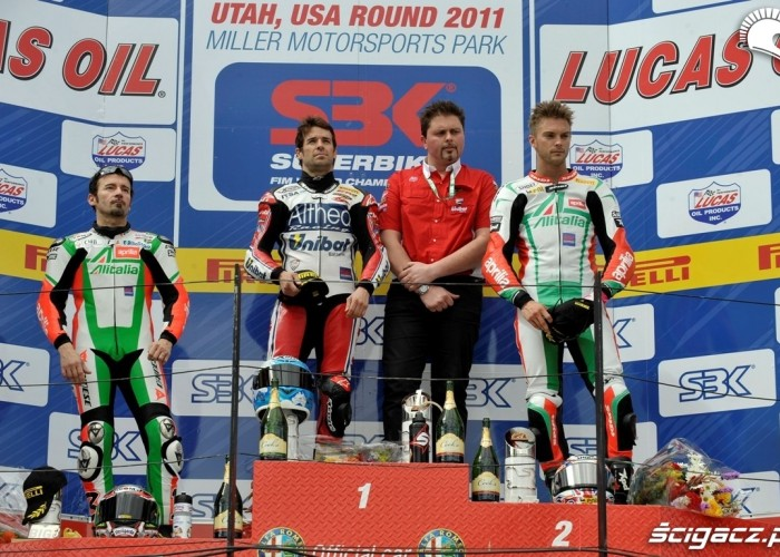 podium wyscig 2