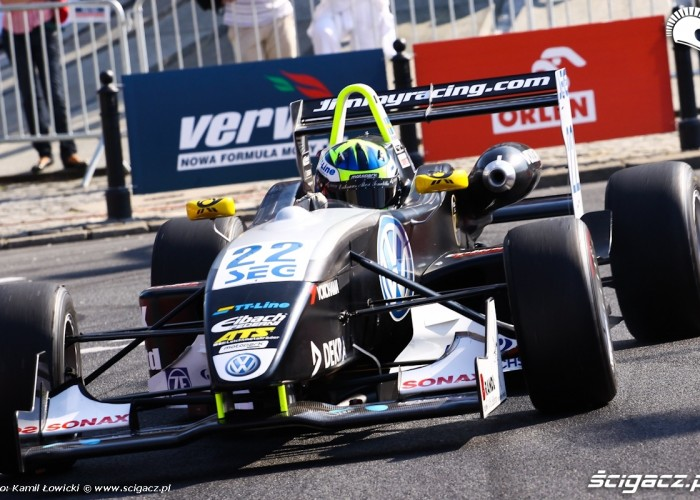 Prawie jak F1 Wyscigi Uliczne Verva Street Racing